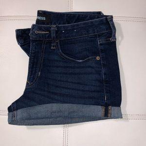 Express womens shorts size 4